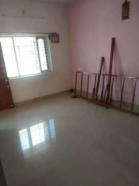 1Bhk with gas line 24hrs water
