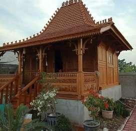 Rumah gladak kayu jati ukir