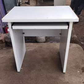 Office computer tables 100nos available