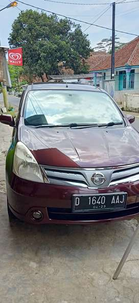 Nissan Grand Livina SV matik 2013