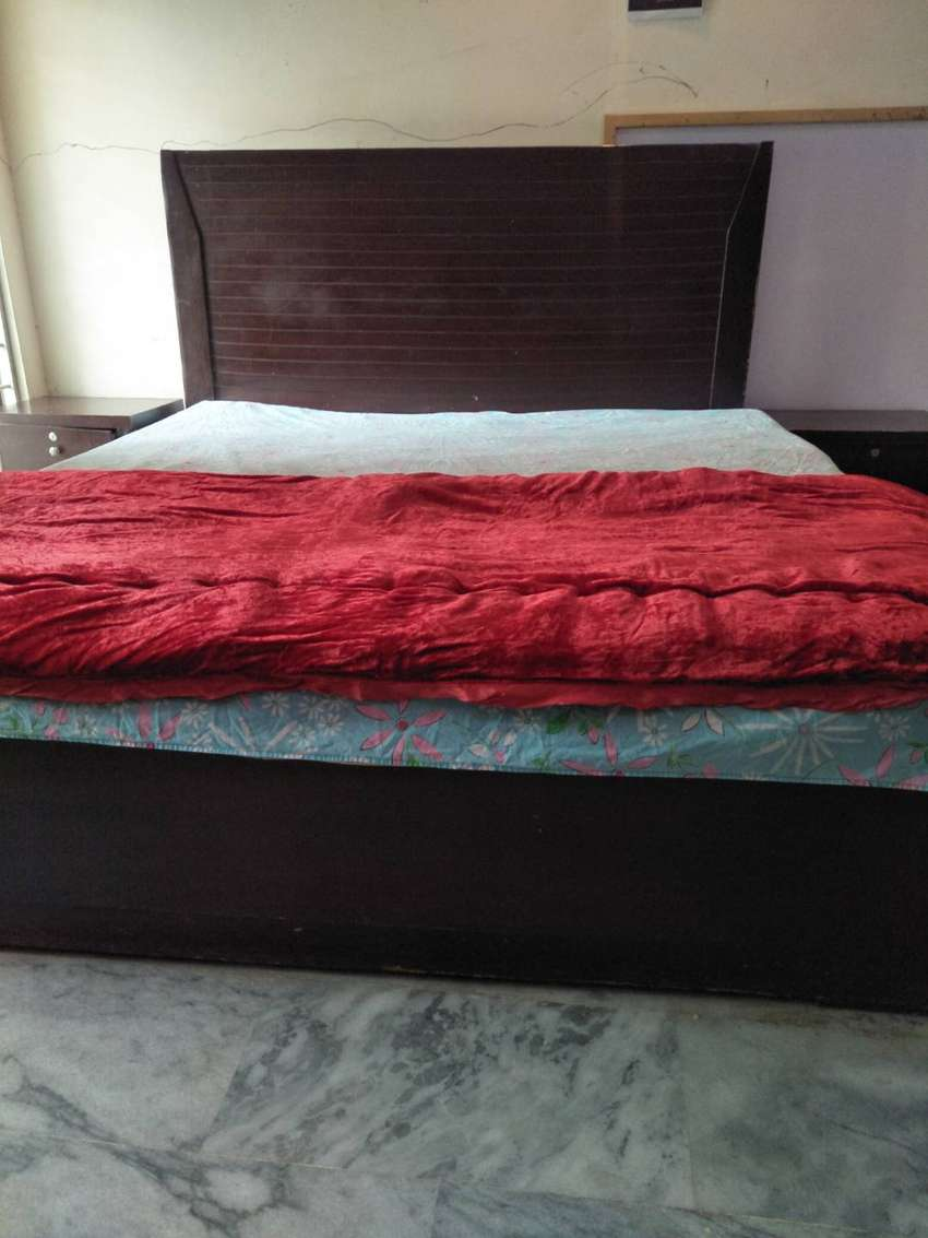 Double bed with side tables and matress 0