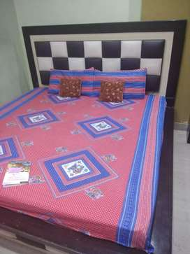 new king size wooden double bed with mattress