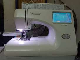 Janom 9000 embroidery machine