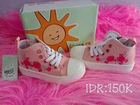 Sepatu Merk LITTLE M