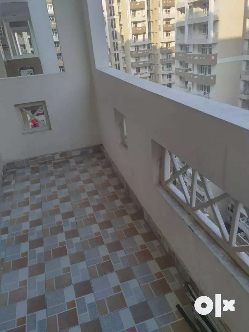 2bhk unfurnished flat available for rent in Omkar royal nest 0