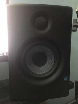Presonus eris 4.5 studio monitor .