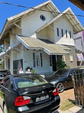 Sewa Murah Rumah mewah di pusat kota Banjarmasin