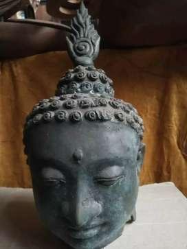 Kepala patung Budha perunggu antik