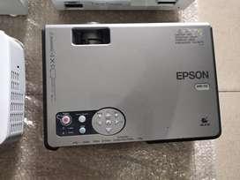 Infokus atau proyektor merek Epson nec