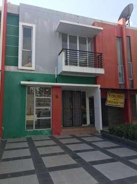 Rumah dijual  , harap timur dekat sekolah djuwita