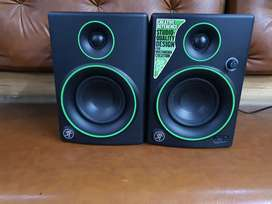 12000 only Mackie CR4 Creative Multimedia Monitor - Set of 2