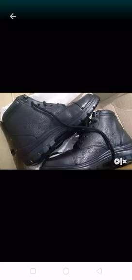 Men ankle black steel boots