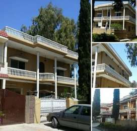 G.9 Ideal location triple story corner house 35/70 dimension for sale