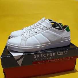 Sepatu second SKECHERS VENICE STREET Size 44 mulus Original Full Box