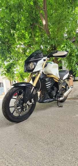 Mahindra MOJO 300 mint condition