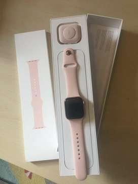 Apple Watch Seri 4 (40/44MM) Kredit Mudah Dan Cepat.
