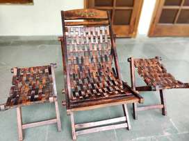 Saharanpur made Solid wood  reclining garden chair with two stools