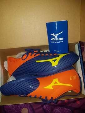Sepatu futsal mizuno basara