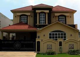 8 Marla House available for sale at Bahria Town Lahore