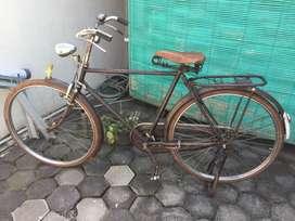 Sepeda kuno dan full baja asli