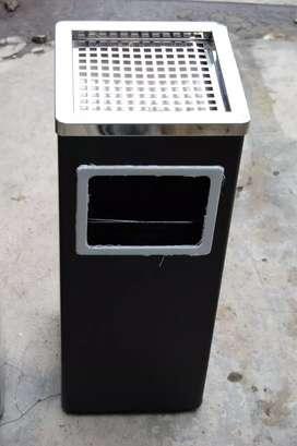 Tempat Sampah Kotak uk.24x24x T.66 cm