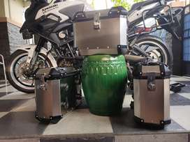 For Sale Top Box n Panniers ex versys 650
