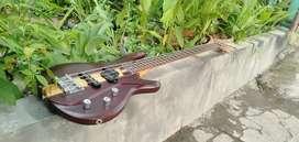 Dijual Bass merek Gilmore GB-320 original Mulus like new