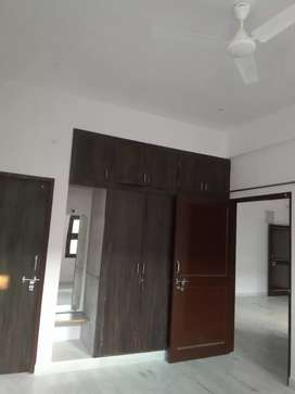 2bhk apartment  Rs 11000 and prefar service class family