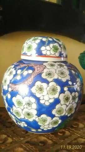 Cepuk keramik warna biru
