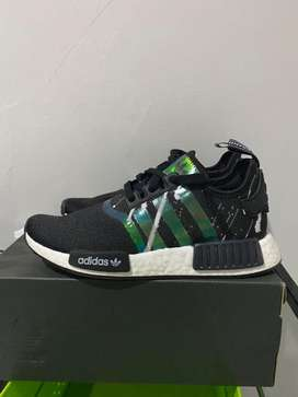 Adidas NMD R1 authentic