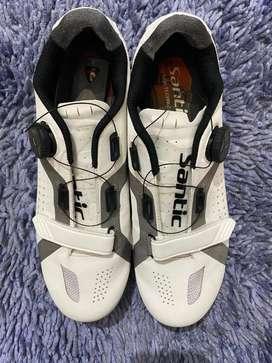 Sepatu Santic Appolo Non Cleat uk 43 Putih