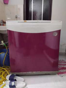 Good condition washing machine with modern look