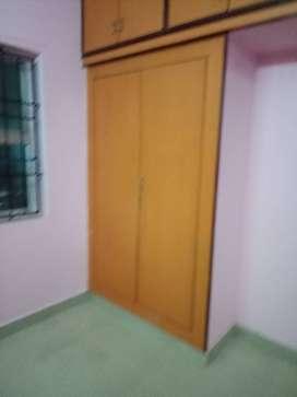 9 yrs old flat for sales @ kolathur , Teachers colony