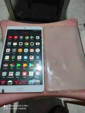 Tablet Huawei D01J Ram3GB Layar 2K , Speaker Harman Kardonardon