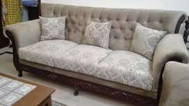 New seven seater Sofa Set going reasonable price