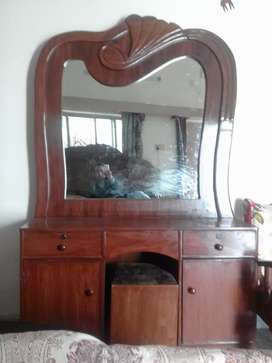 Dressing table Showcase sofa 5 seater