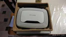 TP Link 300 mbps wireless router in excellent