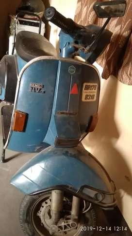 Lml vespa scooter