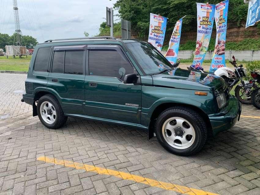 FS Suzuki ESCUDO NOMADE 2001 ISTIMEWA