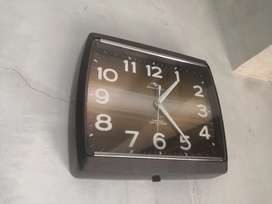 Vintage mechanical transistor clock neat and clean