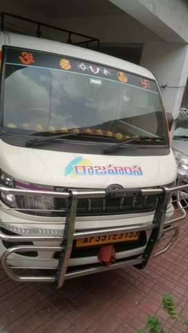 10 seater  vehicle for engage