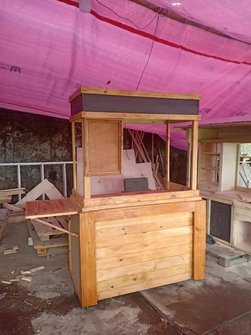 Gerobak booth kayu pinus
