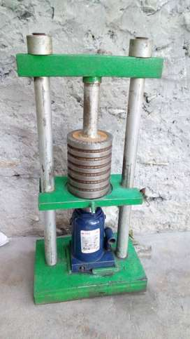 Hydraulic Nut Oil Extractor  Machine with 50 Ton Jack
