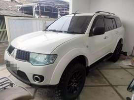 Pajero exceed putih 2009/2010 AT