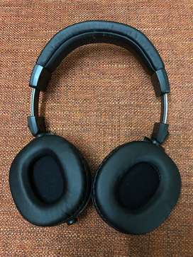 Audio-Technica ATH-M50x Professional Studio Monitor Headphone, 2 yr