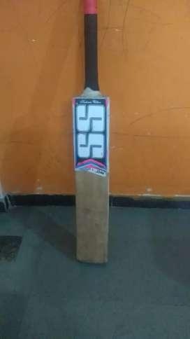 SS season bat ( Kashmir Willow )