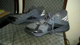 Sepatu Adidas Basket