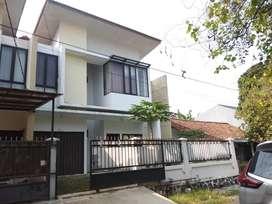 Rumah besar 2lt minimalis turangga dekat sesko martanegara