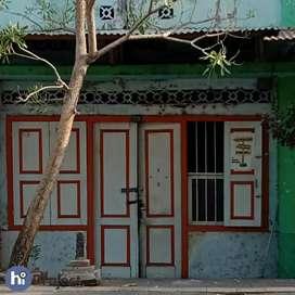 Rumah dengan lahan 142 M2 di Kota tua Ampenan Mataram R121