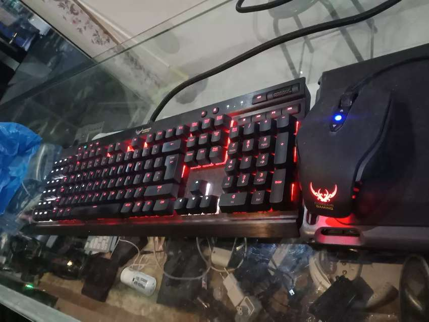 Gaming keyboard and mouse 0